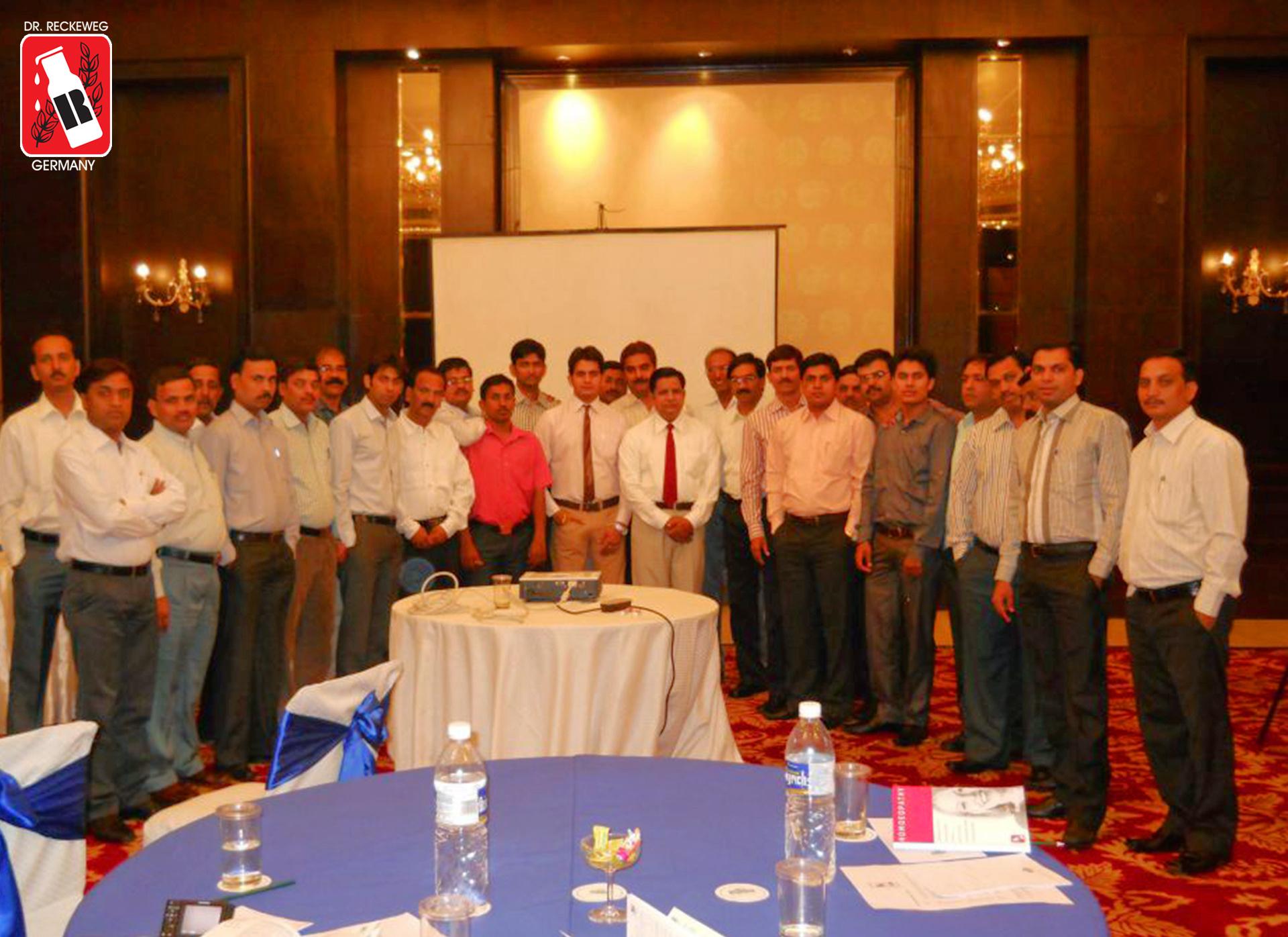 sales_meet_2012_1920